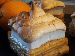 Gateau de crêpes orange miel meringué