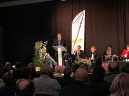 Frank Alétru lors de son discours d'ouverture du premier congrès d'apiculture de d'apithérapie de Rouen